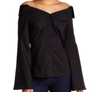 🛍Bell sleeve, off shoulder spread collar top, NWT